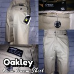 Celana distro cowok Oakley basic cream short